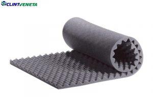 Elastomeric insulation of oval shoulder roll
